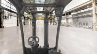 Nochmals verbessertes Sichtfeld des V-Staplers H20 - 35 von Linde Material Handling
